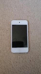 Ipod 4g 8gb with case