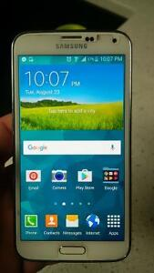 galaxy S5 mint condition, 6 months old. Bell/Virgin network