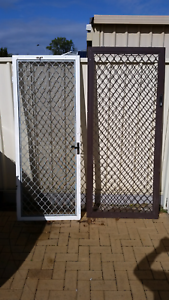 Sliding Security Door 2125mm hx 925 w $20  White Security Door$20 Huntingdale Gosnells Area Preview