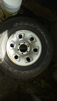 Nissan patrol gu qg wheels and tires