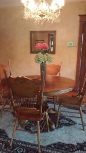 Large Dining Table/6 chairs