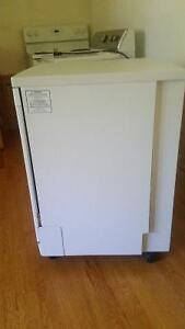 1.5 year old Brada 24 portable dishwasher West Island Greater Montréal image 2