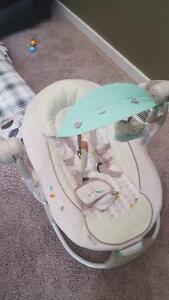 Baby swing and car seat Regina Regina Area image 1