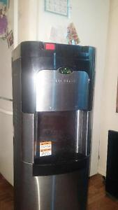 Viva self cleaning water cooler / heater