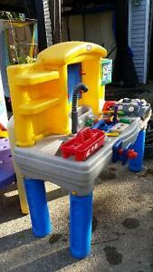 Little tikes mechanics/work bench and tools