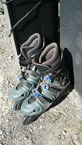 Size 9 Roller Blades - Good Condition