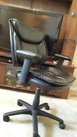 Task chair in black bonded leather Laval / North Shore Greater Montréal Preview