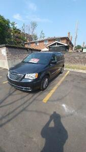 MUST GO MOVING SALE!! 2014 Chrysler Town & Country Touring