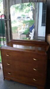 Selling/antique 3 drawer dresser with mirror