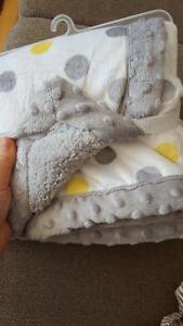 Brand new owl blanket Peterborough Peterborough Area image 2