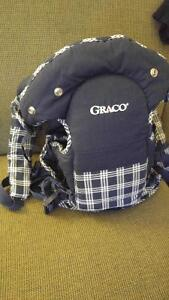 Graco rear/front facing carrier