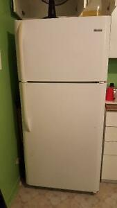 Fridge on sale for 125.00$