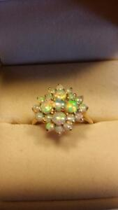 9kt yellow gold genuine opal ring