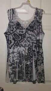 Pretty Woman Lace back tank top size m Regina Regina Area image 2