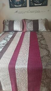 Two Queen size quilt with 2 pillow cases Gatineau Ottawa / Gatineau Area image 2