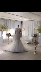 Selling this beautiful ivory wedding dress. URGENT SALE!! Guildford West Parramatta Area Preview