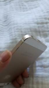 16gb gold iPhone 5s locked to bell Cambridge Kitchener Area image 1