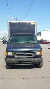 2004 Ford E-350 Cube Fourgonnette, fourgon