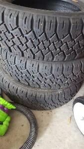 Selling 4 13 inches winter tires 175/70r13