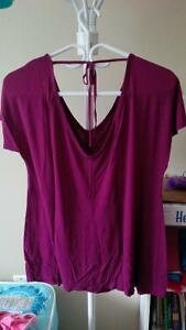 LIKE NEW OLD NAVY MATERNITY BLOUSE - SIZE M Kitchener / Waterloo Kitchener Area image 1