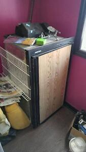 Fridge au PROPANE ET 12V