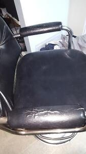 Used hydorlic hair stylist chair Cambridge Kitchener Area image 2