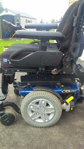 Quntum Edge Electric Wheelchair