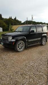 2010 Jeep Liberty Limited SUV, Crossover