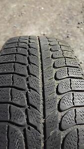 2 pneus d'hiver de 13 pouces