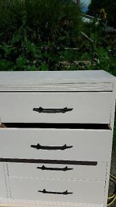 8 Drawer Dresser and Solid Mirror London Ontario image 4