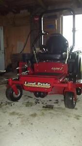 Tracteur Commercial  Razors Z  LandTrooper 62/Hres 48 pouces