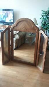 Large wood frame mirror West Island Greater Montréal image 1
