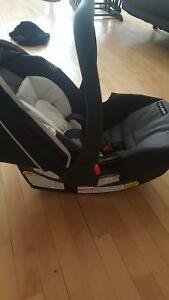 ONLY USED ONCE. Graco Carseat Click Connect Snugride 30 for sale