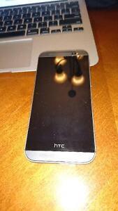 HTC 32g M8, w/acc