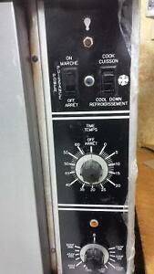 Garland TG3 Gas Commercial Oven with shelving & baking trays Kitchener / Waterloo Kitchener Area image 5