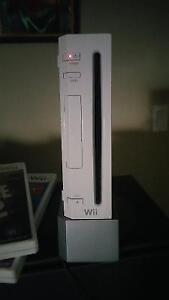 "Wii, 32"" TV, DIVX player and a stand or BEST OFFER!!! London Ontario image 1"