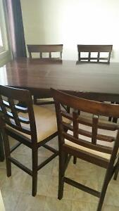 Reduced! Mocha High Table and 4 Chairs mint!