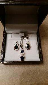 Earrings/necklace