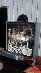 Lave-vaisselle Miele West Island Greater Montréal image 2