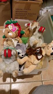 1 tub soft toys