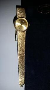 CONCORD WOMANS 14K SOLID GOLD WATCH $1495.00 Sarnia Sarnia Area image 2