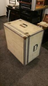 Clydesdale Road Case with canisters