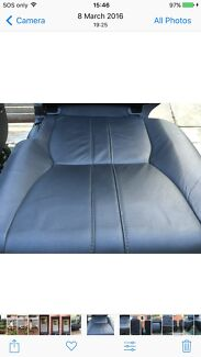 Discovery 4 2nd row leather seats charcoal/black