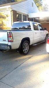 2006 GMC  Denali pick up truck