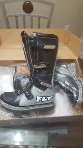 Hi I have a pair of dirt bike boots for sale