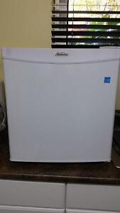 Danby 1.6 cu foot mini fridge in excellent condition