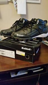 Size 9.5 Riddell Football cleats