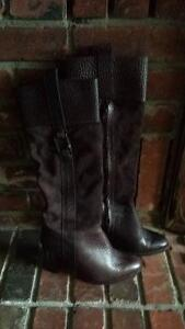 """Brown leather boots, """"Heddy"""", Banana Republic - never worn London Ontario image 1"""