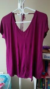 LIKE NEW OLD NAVY MATERNITY BLOUSE - SIZE M Kitchener / Waterloo Kitchener Area image 2