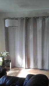 2 paires de rideaux porte-patio